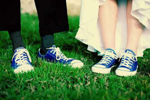 Matching Chucks on your wedding day? Why not?! (From Beau Coup)
